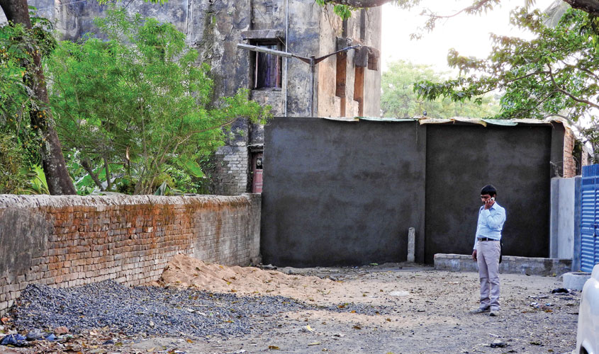This wall built by Kaliachak police station has cut off Baliadanga's access to the road.